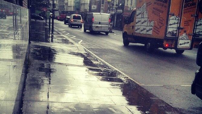 Wiatr i deszcz utrudnią podróżowanie