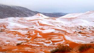 Śnieg spadł na pustyni w Afryce